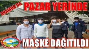 ANAMUR'DA PAZAR YERİNDE MASKE DAĞITILIYOR